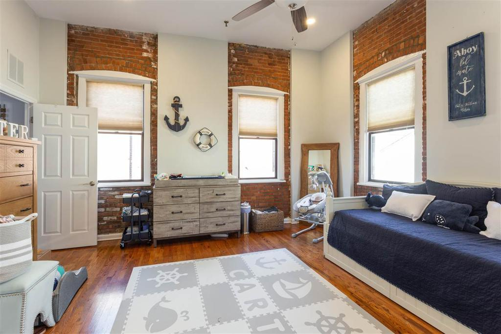 158 WAYNE ST Unit: 423A preview