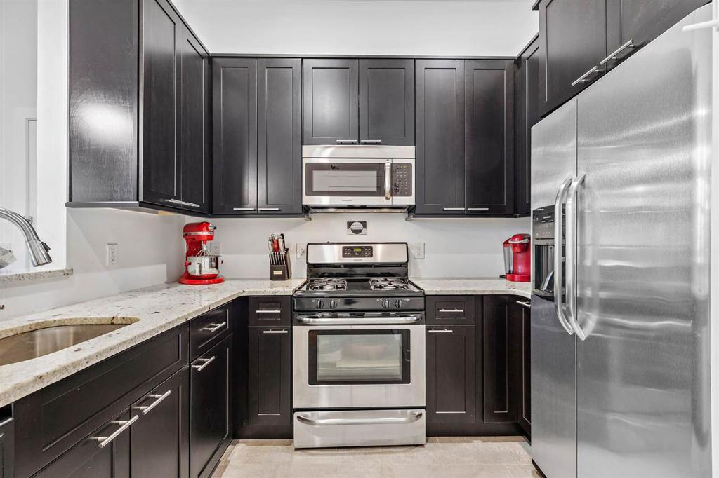 251 NEWARK AVE Unit: 4E preview