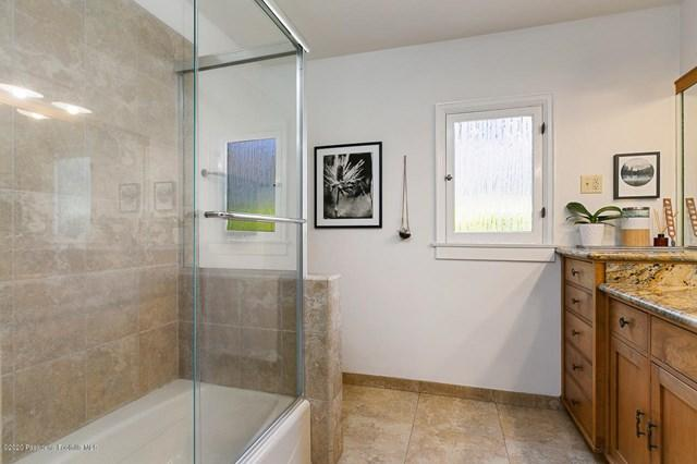 695 E Woodbury Road preview