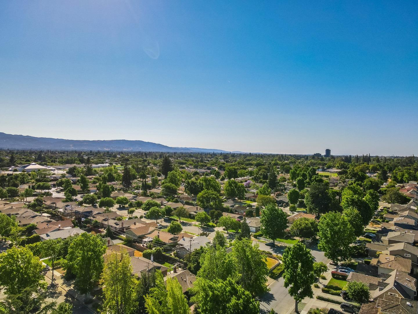 2718 Custer DR photo