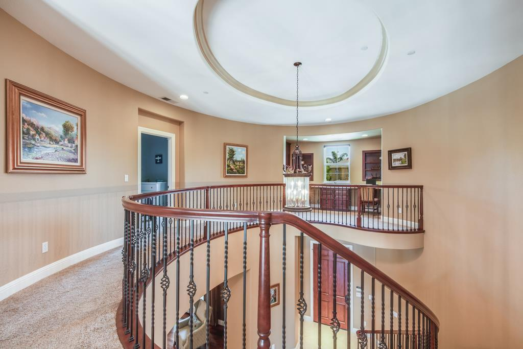 1525 Painted Feather CT photo