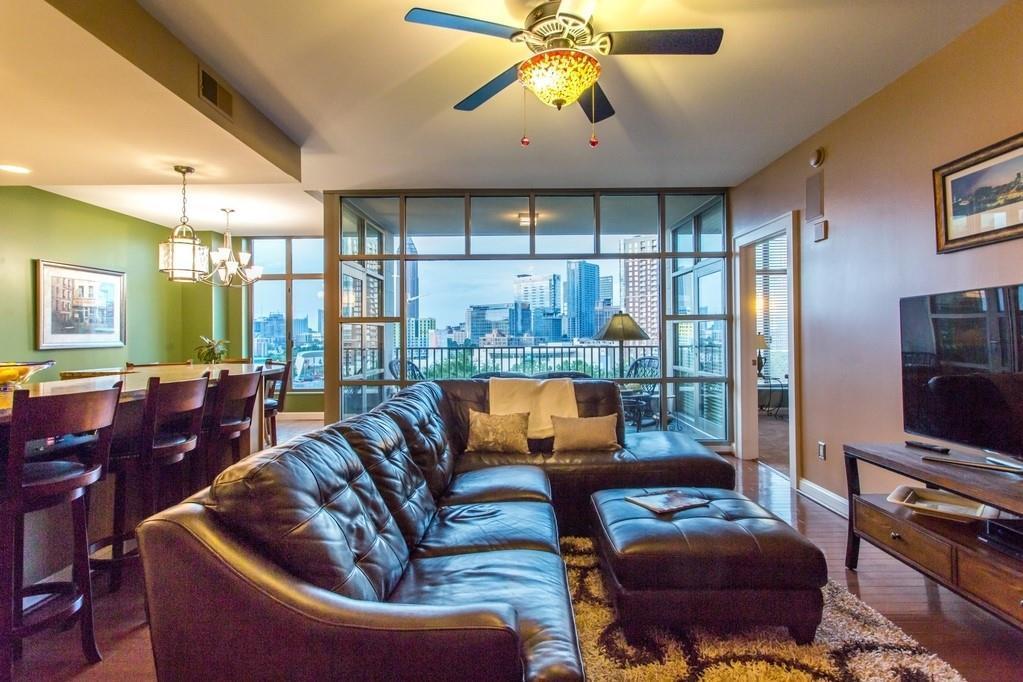 250 Park Avenue West Unit: 607 preview