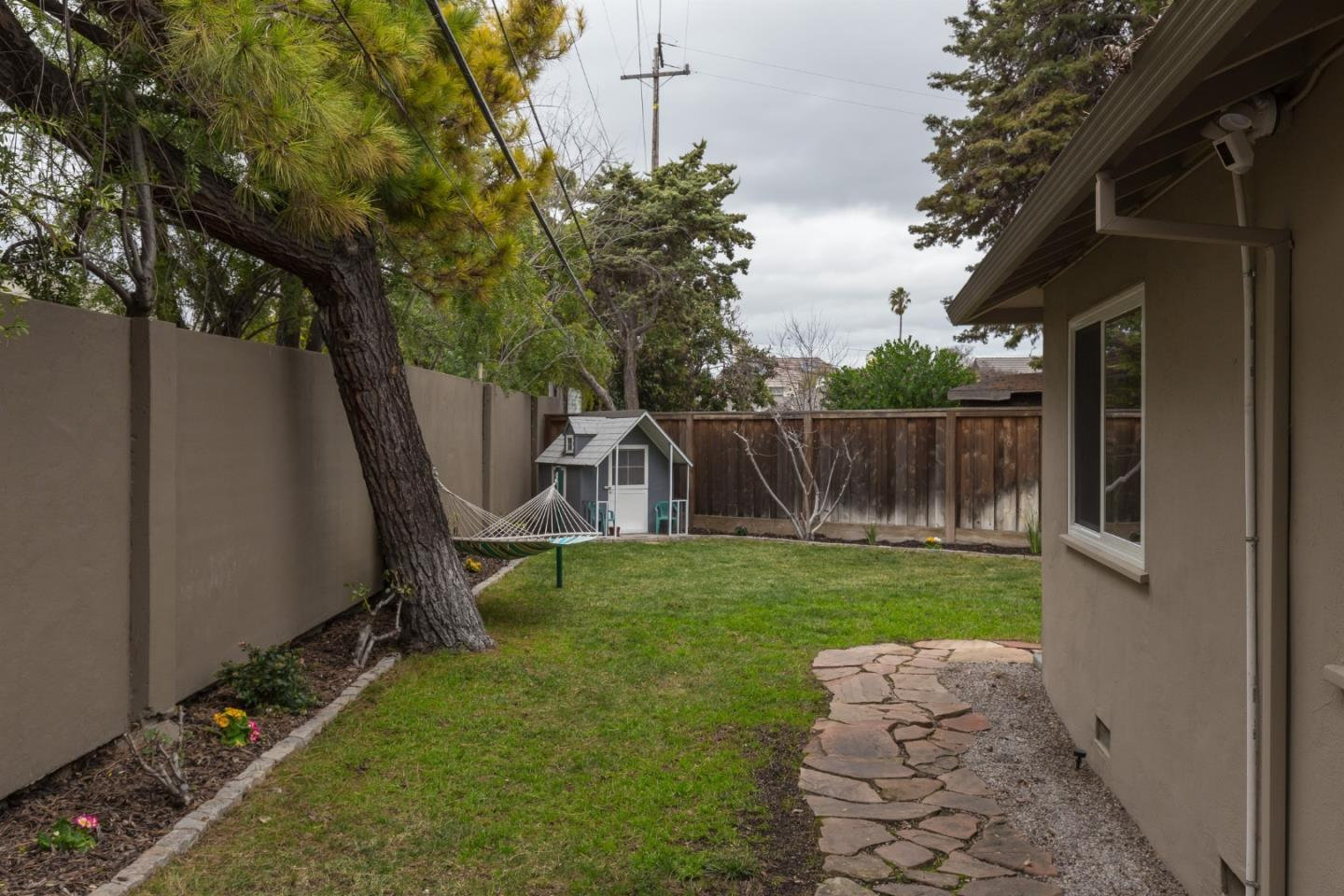 667 Madrone AVE photo