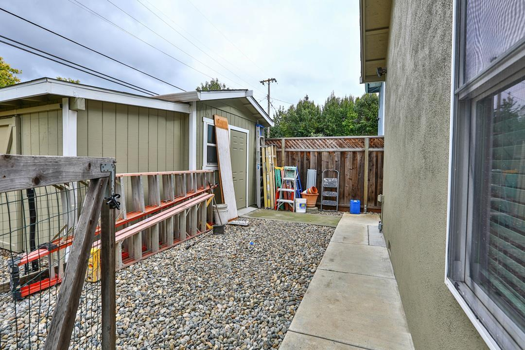 4020 Woodford DR photo