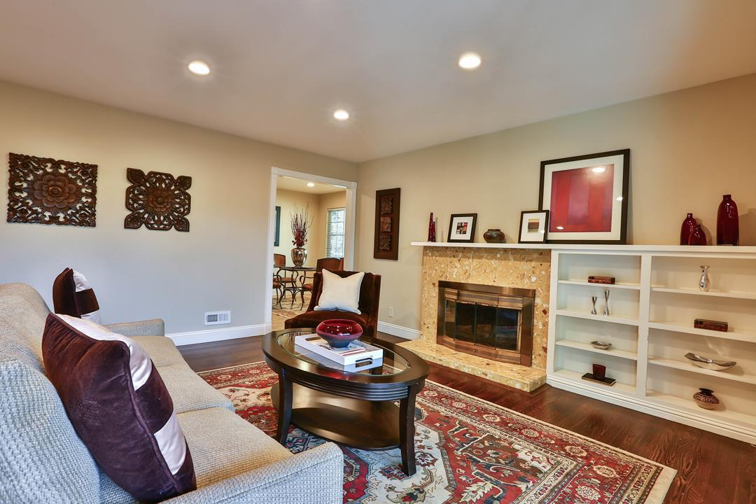 1560 Roseanna DR preview
