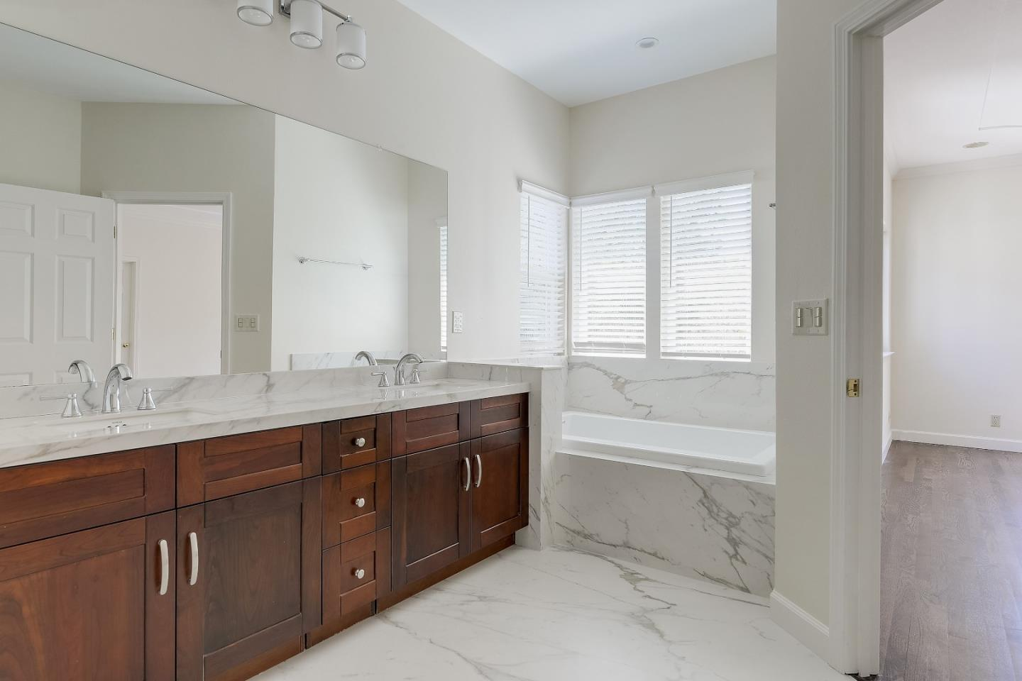 269 Clifton AVE preview