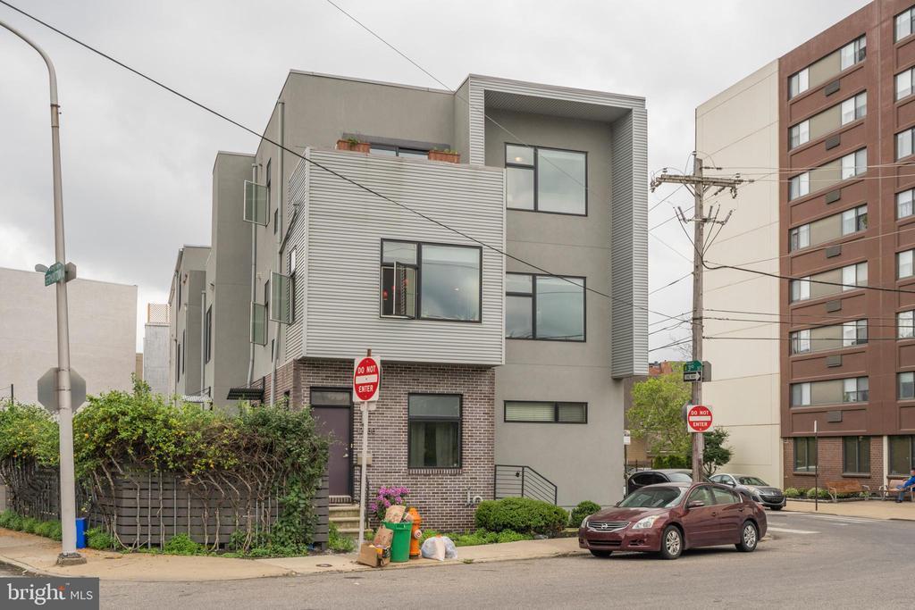 1233 N 3RD STREET Unit: 1B photo