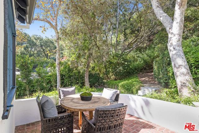 2528 MANDEVILLE CANYON RD preview