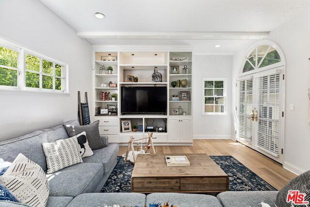 11426 Bolas St preview