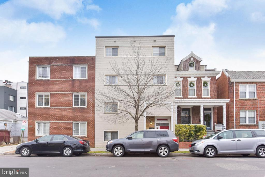 718 PARK RD NW #1