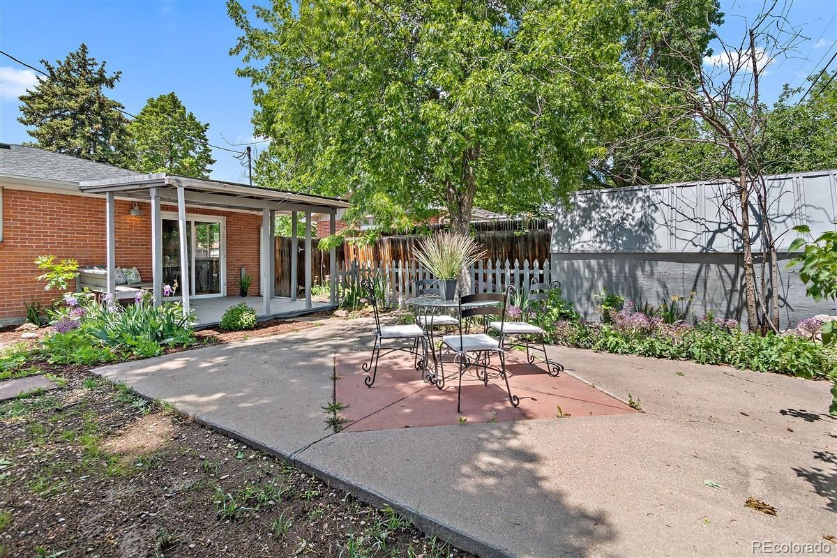 6150  Dudley Street preview