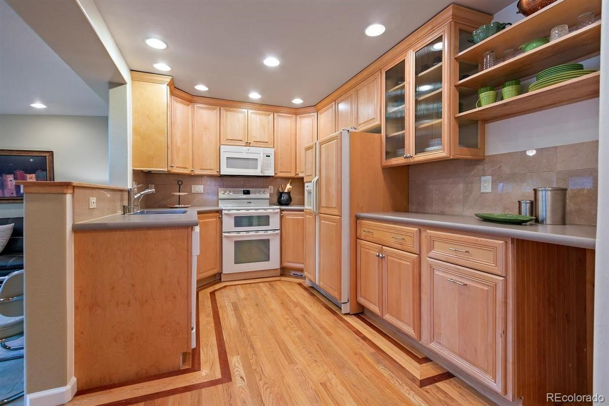 5613  Brentwood Street preview