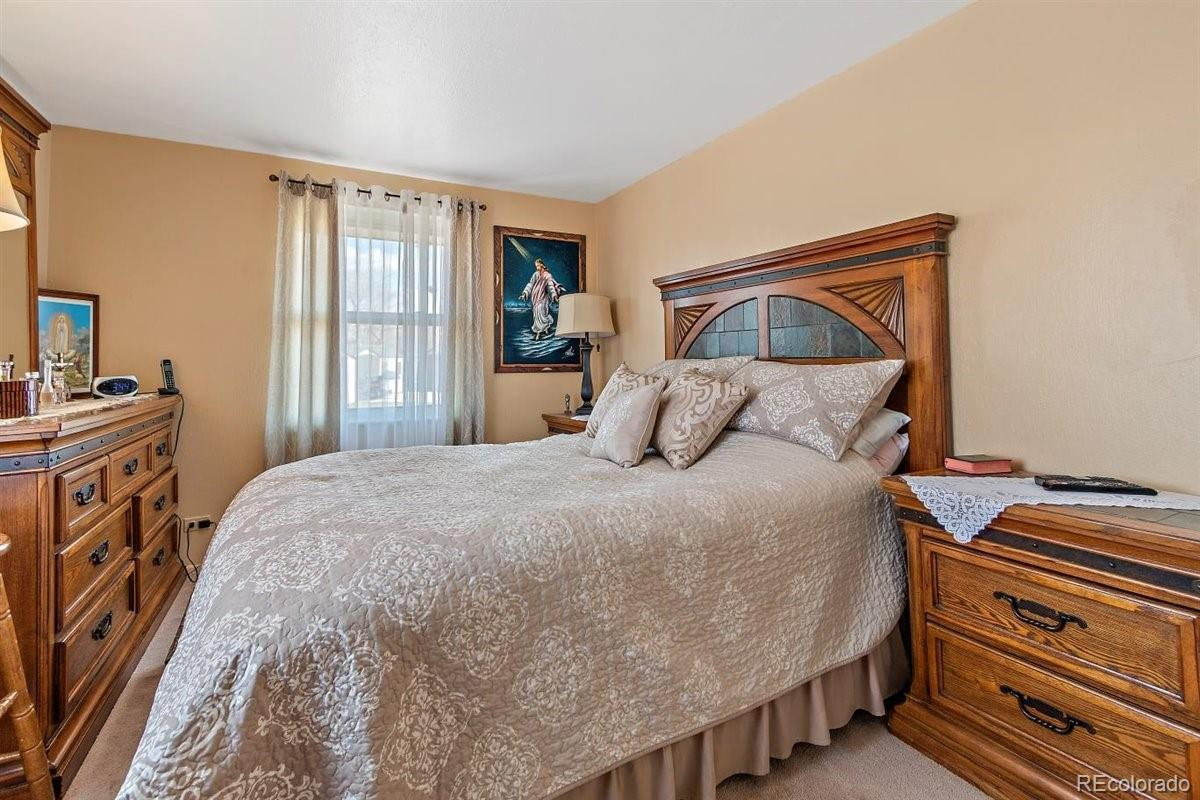 7990  Lee Street preview