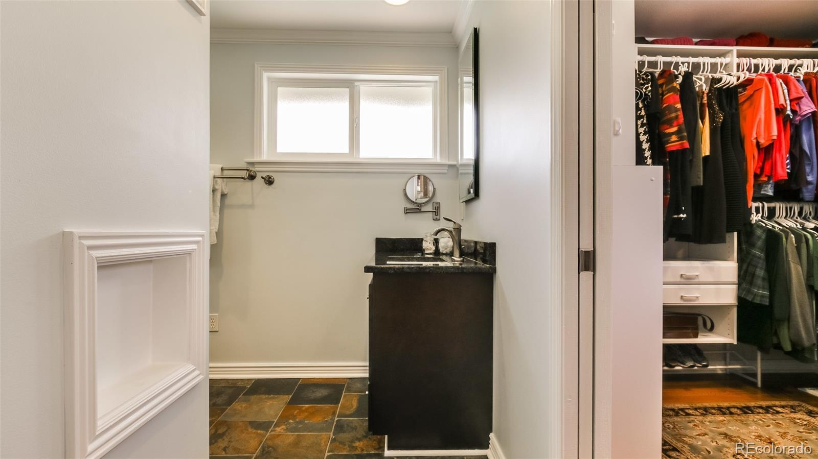 6955  Owens Street preview