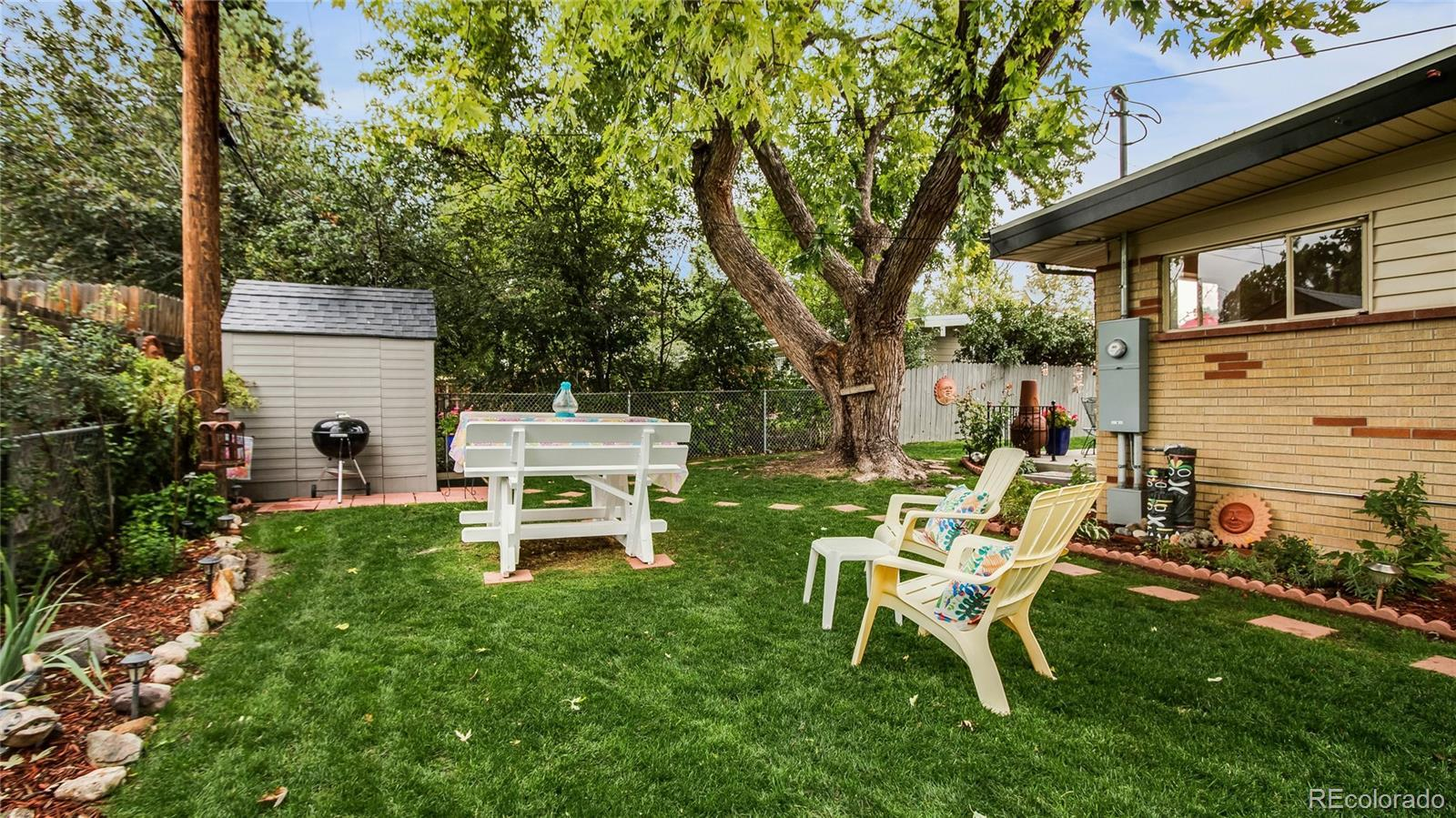 6135  Cody Street preview