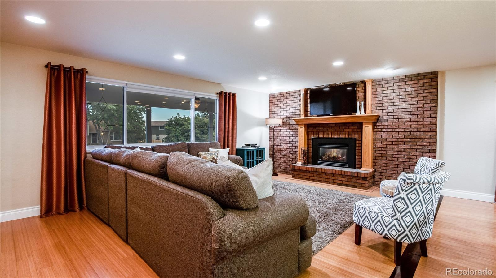 10202 W 77th Place preview