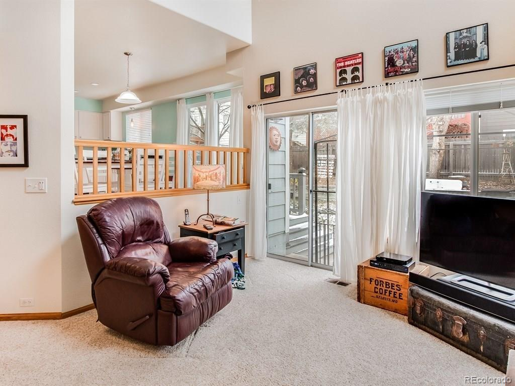 12227  Wolff Place preview