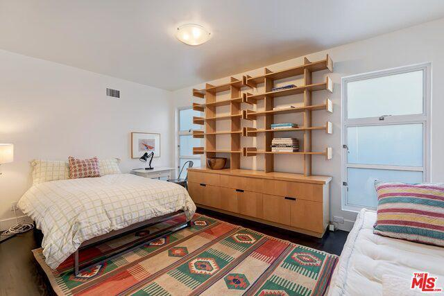2329 Wilson Ave preview