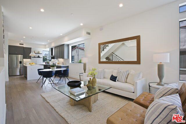 1952 MANNING AVE preview
