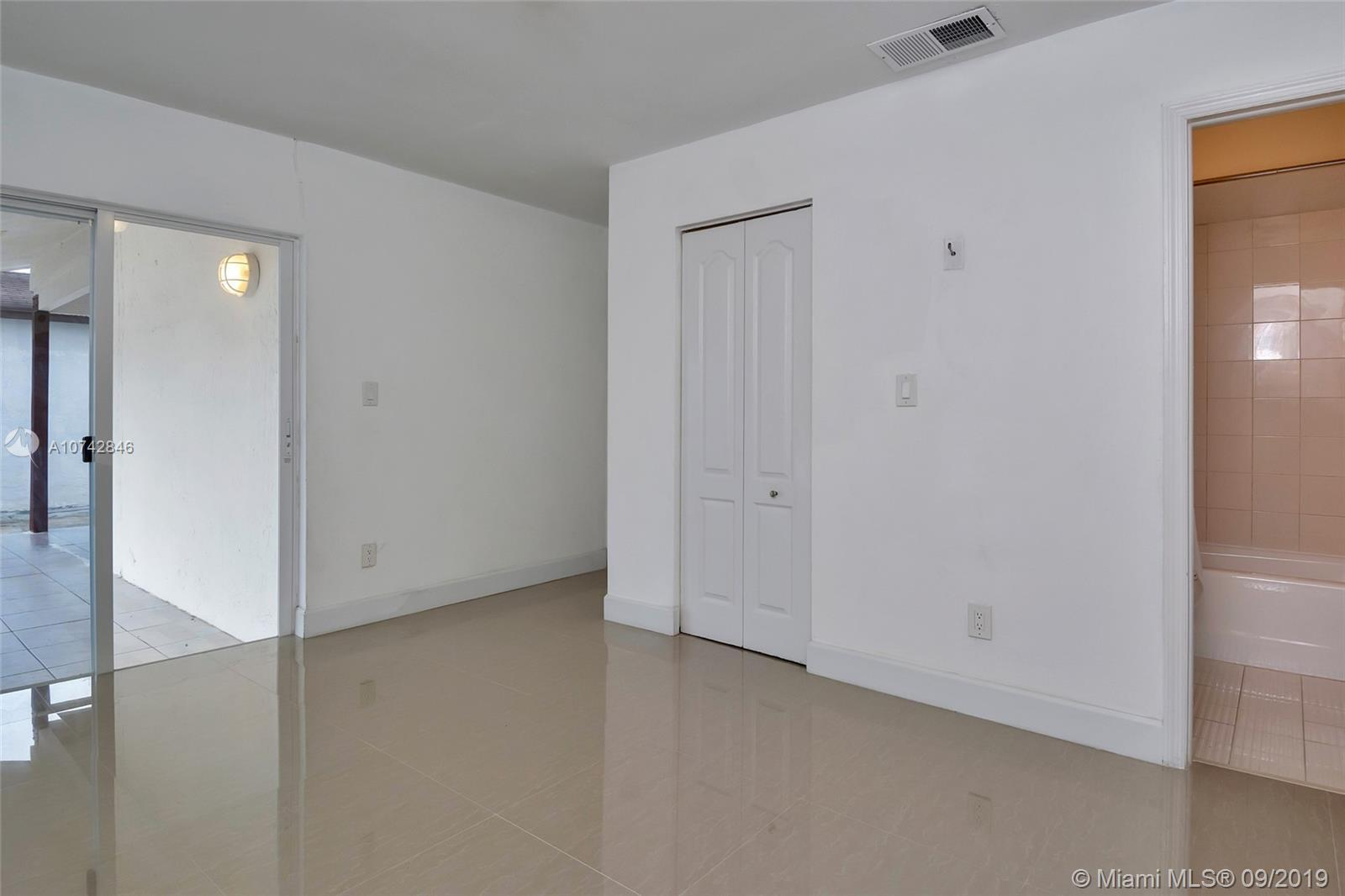 12313 SW 195th Ter photo