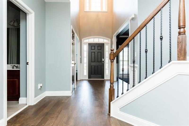 14 COOPERS GLEN SW  Drive preview