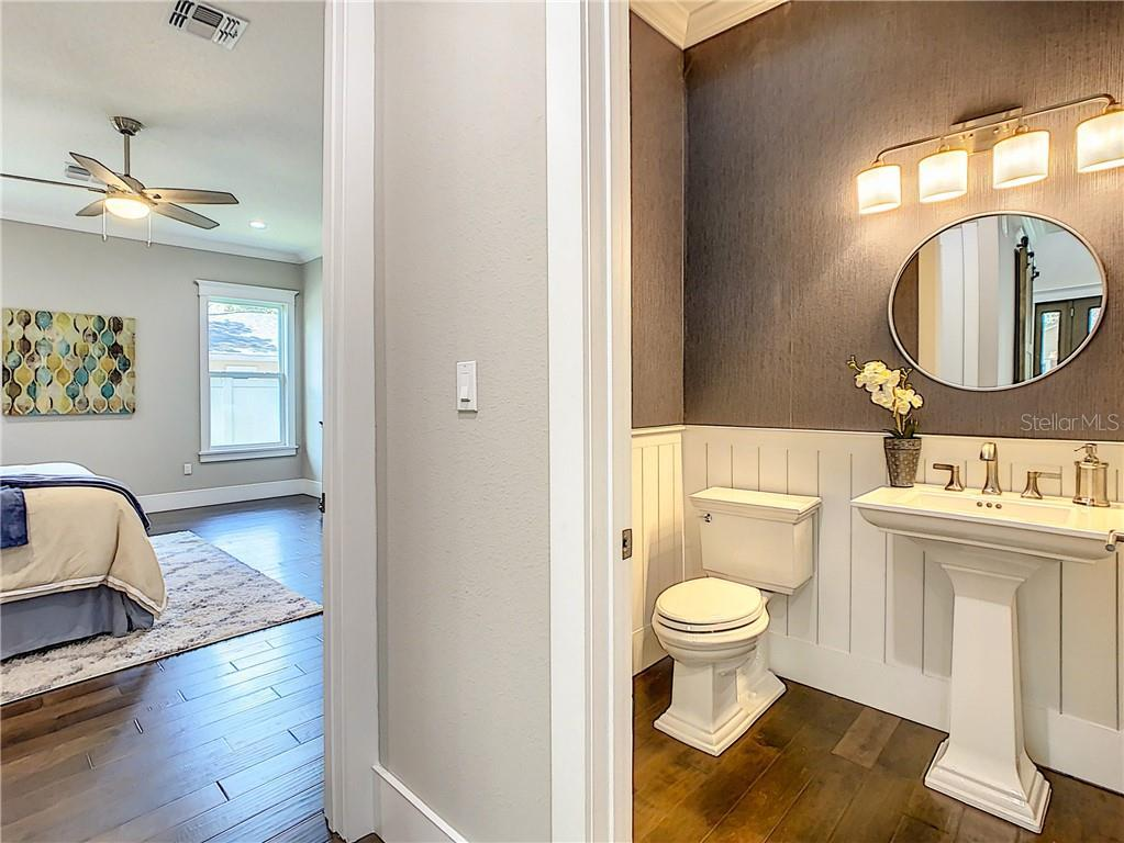 213 S HIGHLAND  AVENUE preview