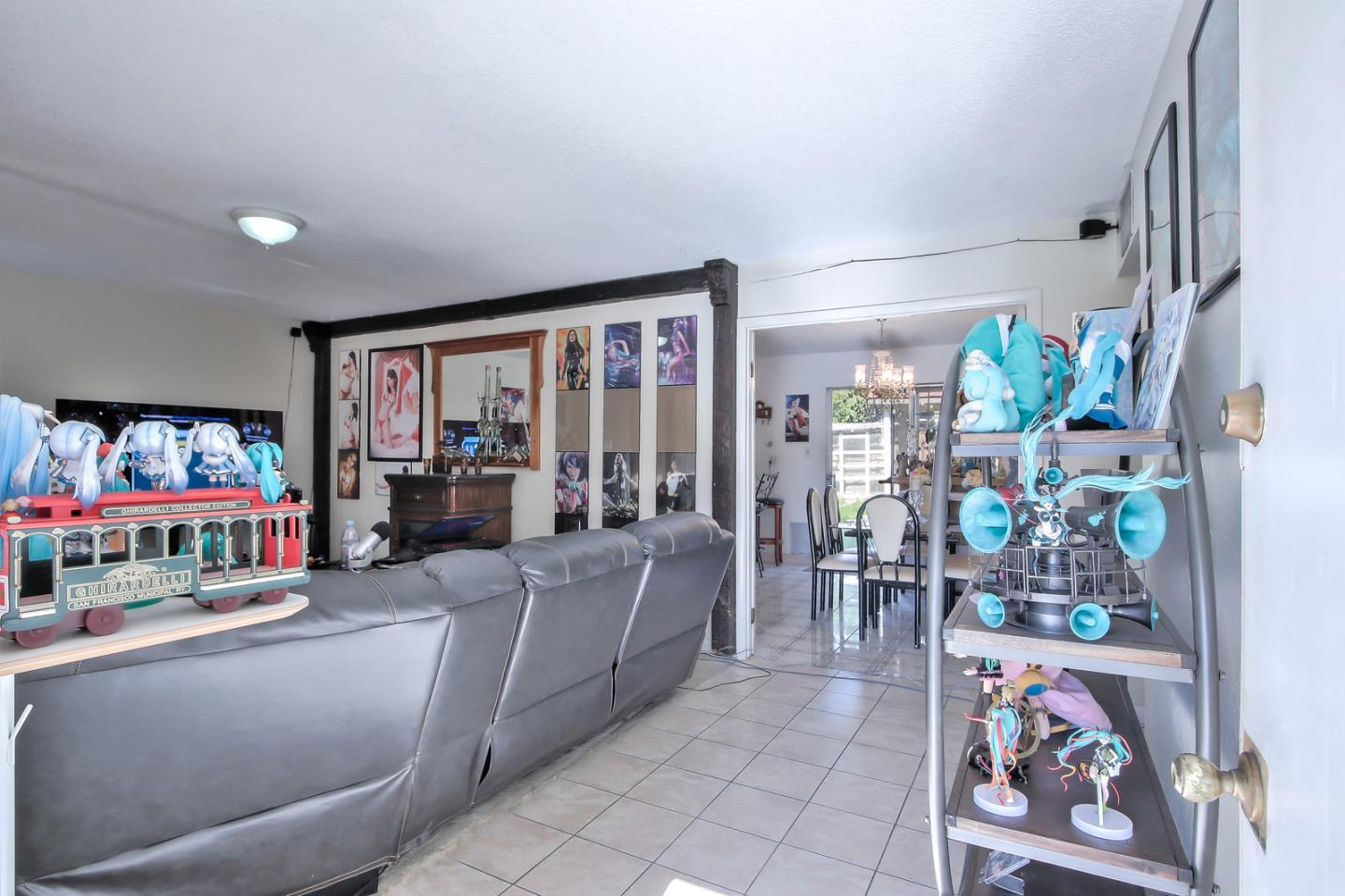 2152 Interbay DR preview