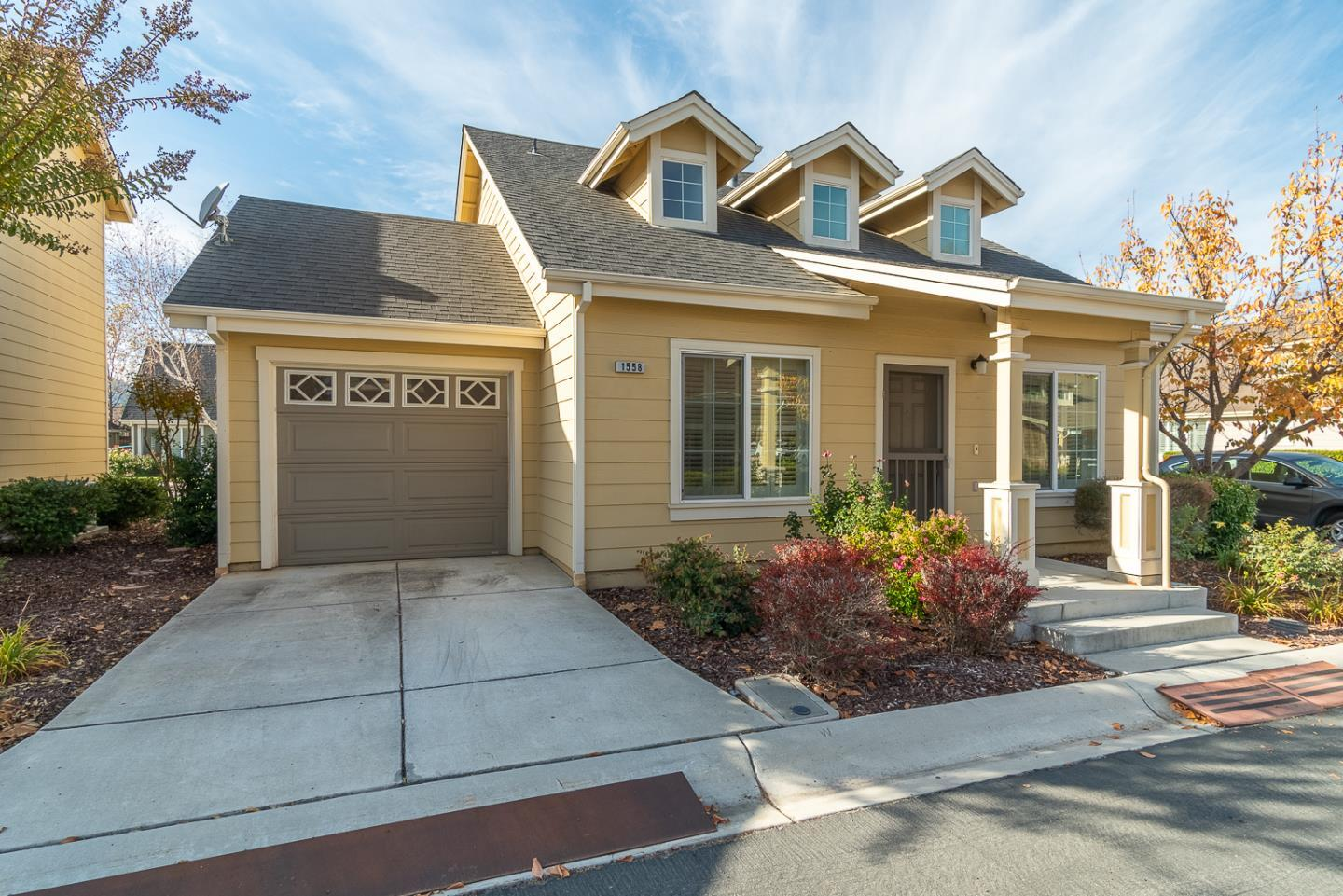 1558 Rosette WAY preview