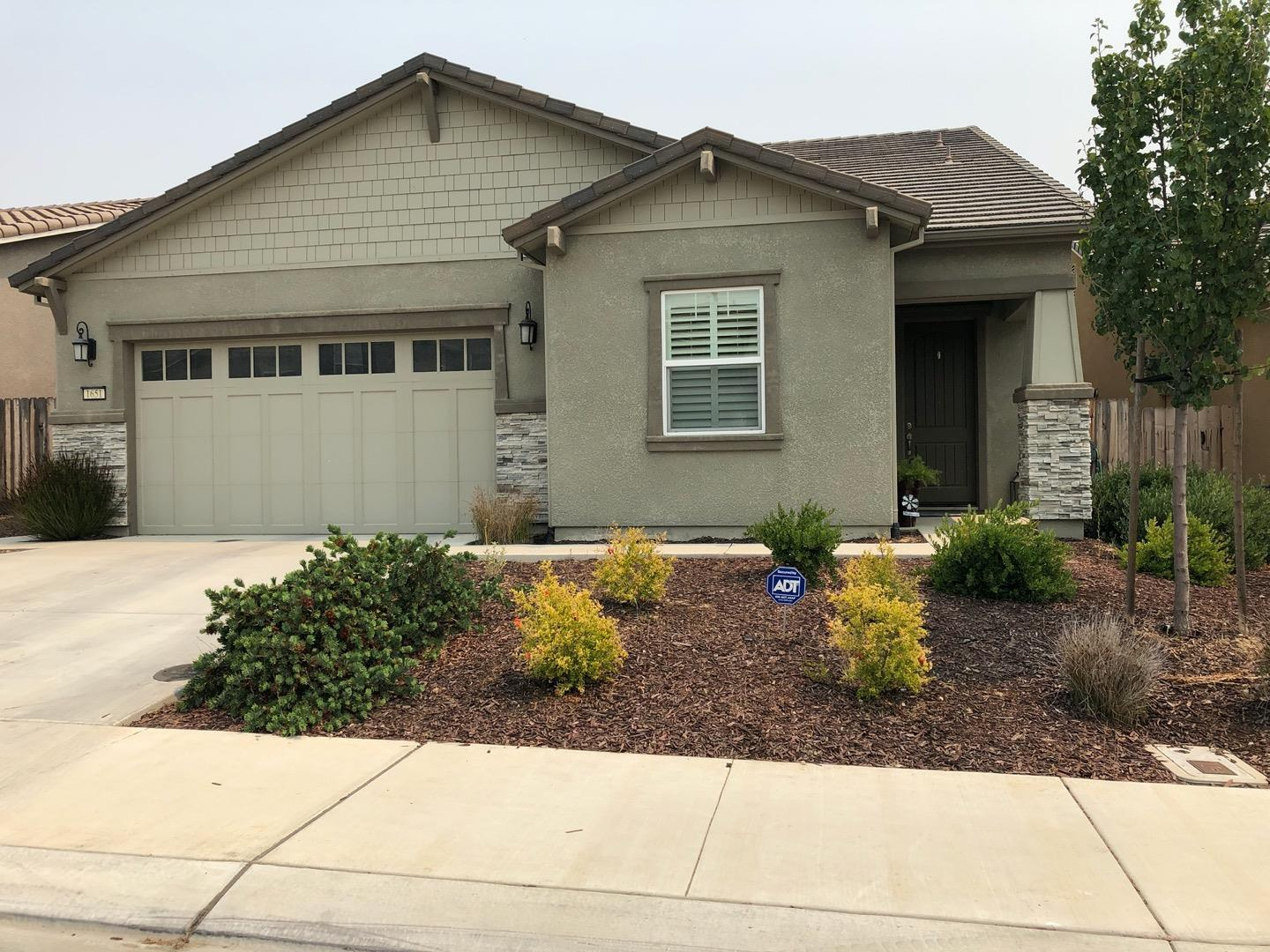 1651 Lily CT photo