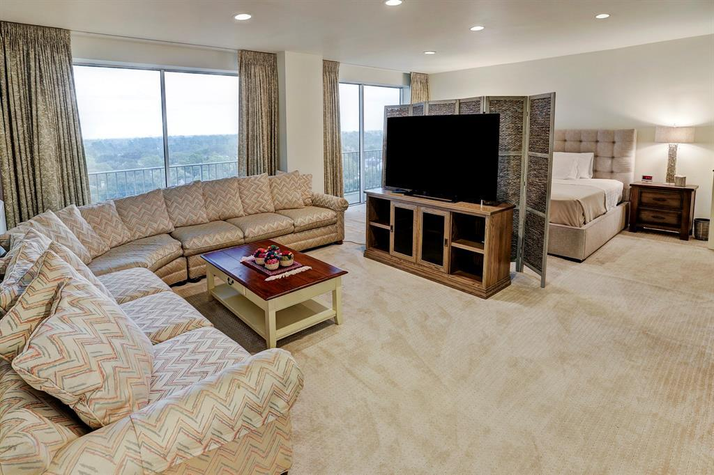 2200 Willowick Road Unit: 10EF