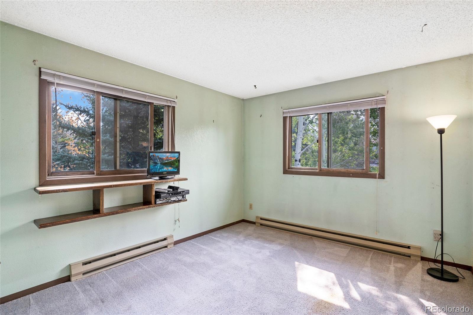 2 Redwood Court photo