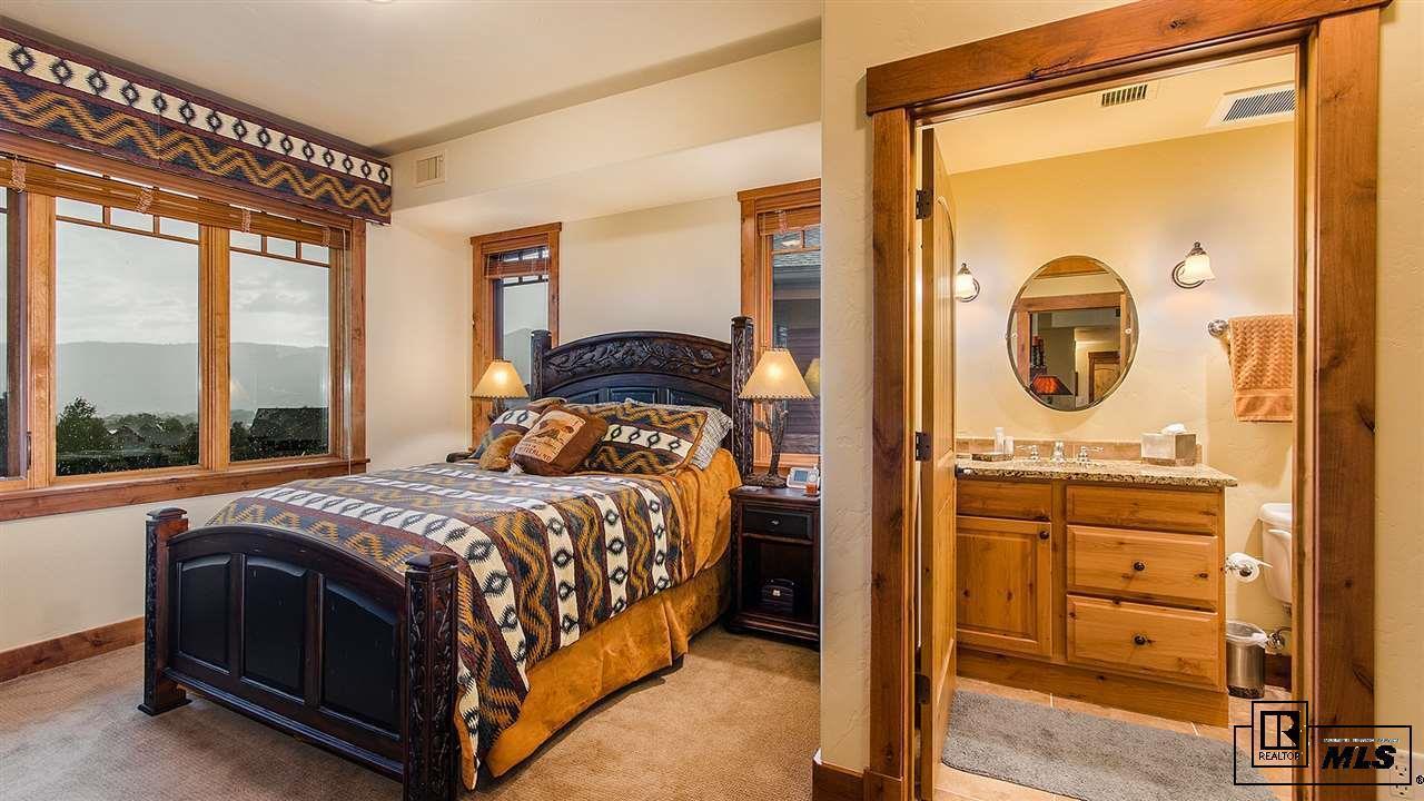 1800  Medicine Springs Dr #5302   Emerald Lodge #5302 photo