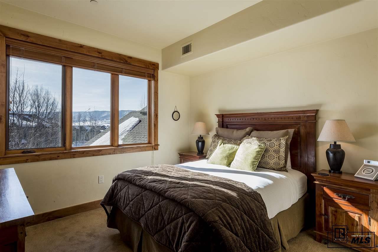 1800  Medicine Springs Dr #5102   Emerald Lodge #5102 photo