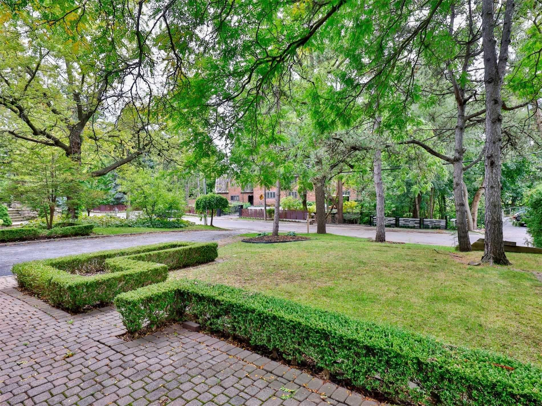 Stunning And Completely Renovated Family Home On The Most Sought After Old Yonge