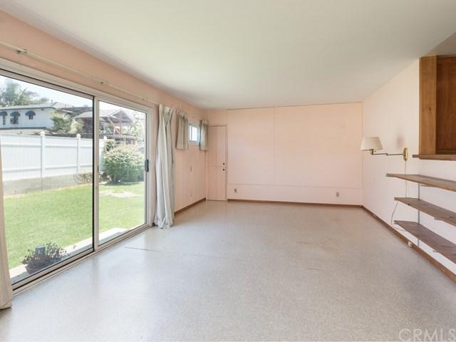 8906 De Haviland Avenue