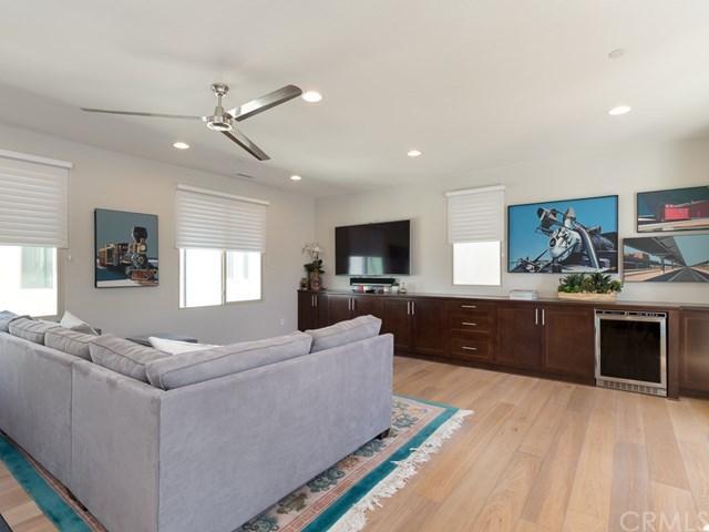 5233 Pacific Terrace