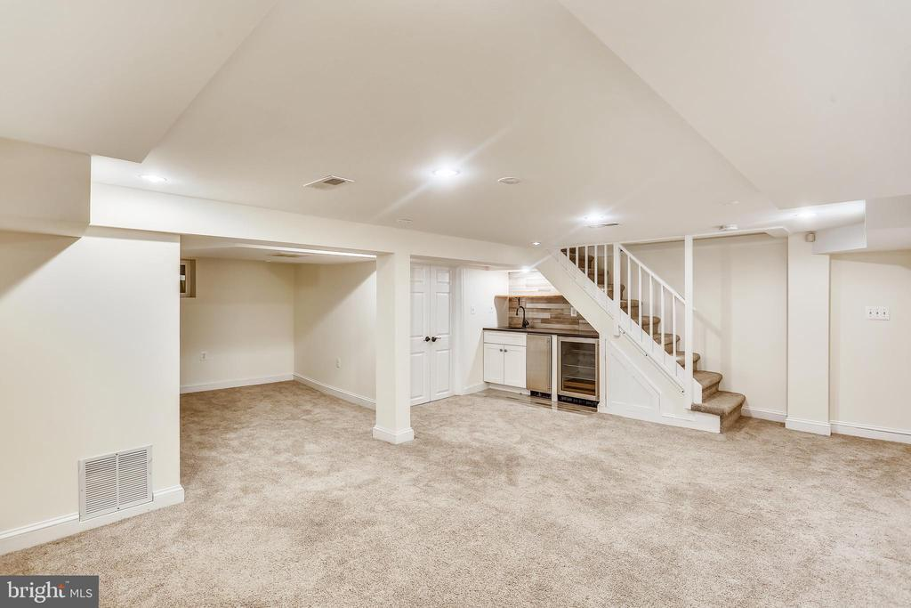 5914 GLOSTER ROAD photo