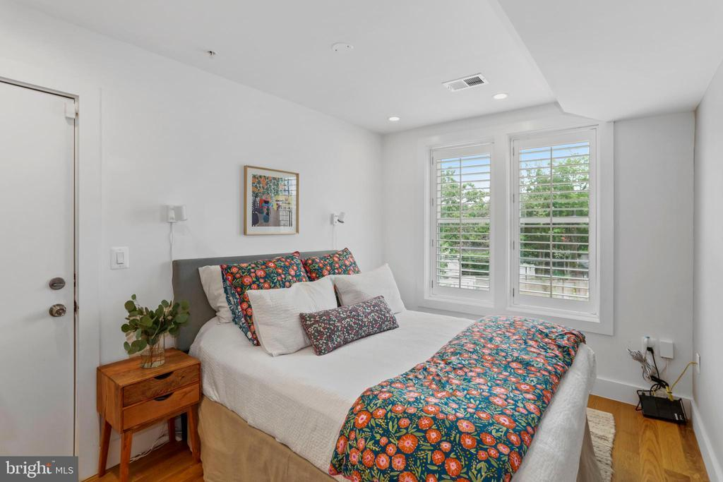 254 15TH ST SE #3 preview