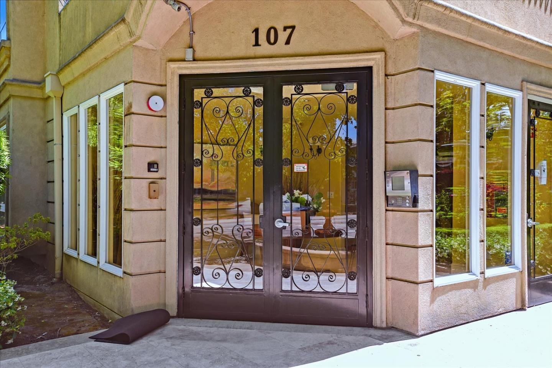 107 El Camino Real 306