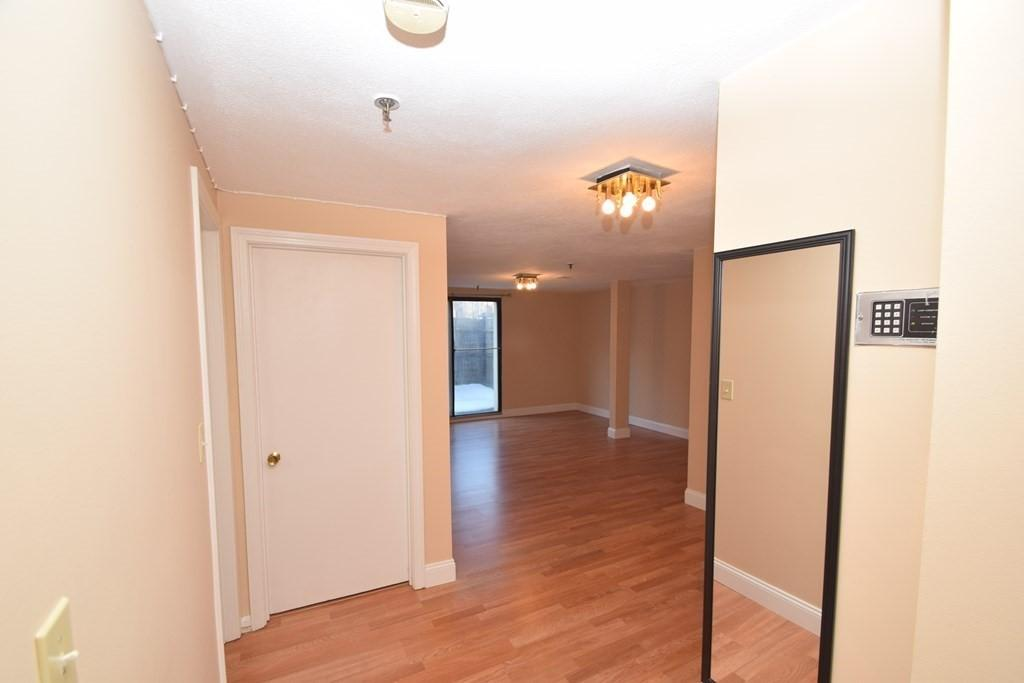 1423 Commonwealth Ave Unit: 102 preview