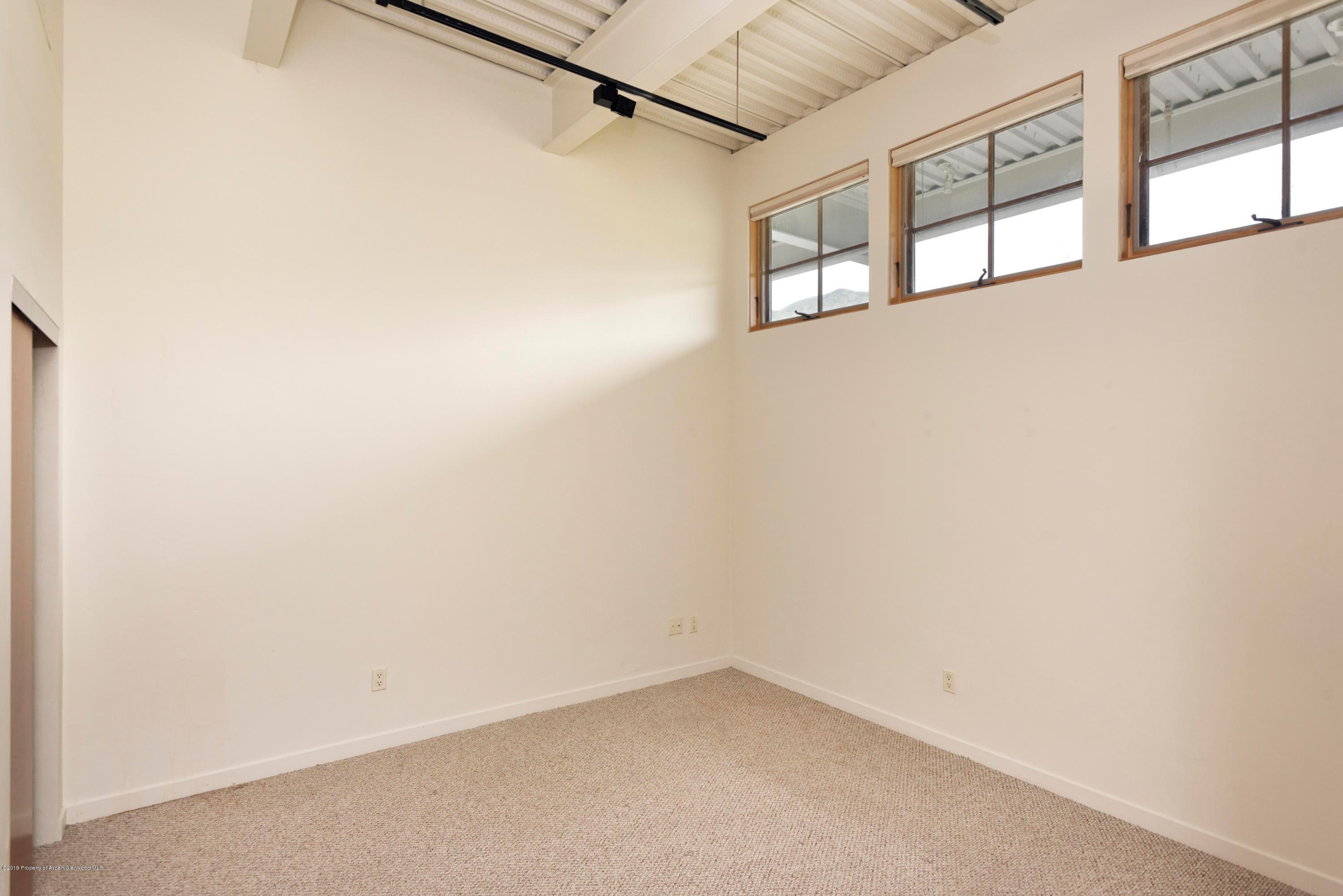231 Robinson Street Unit: 306 preview