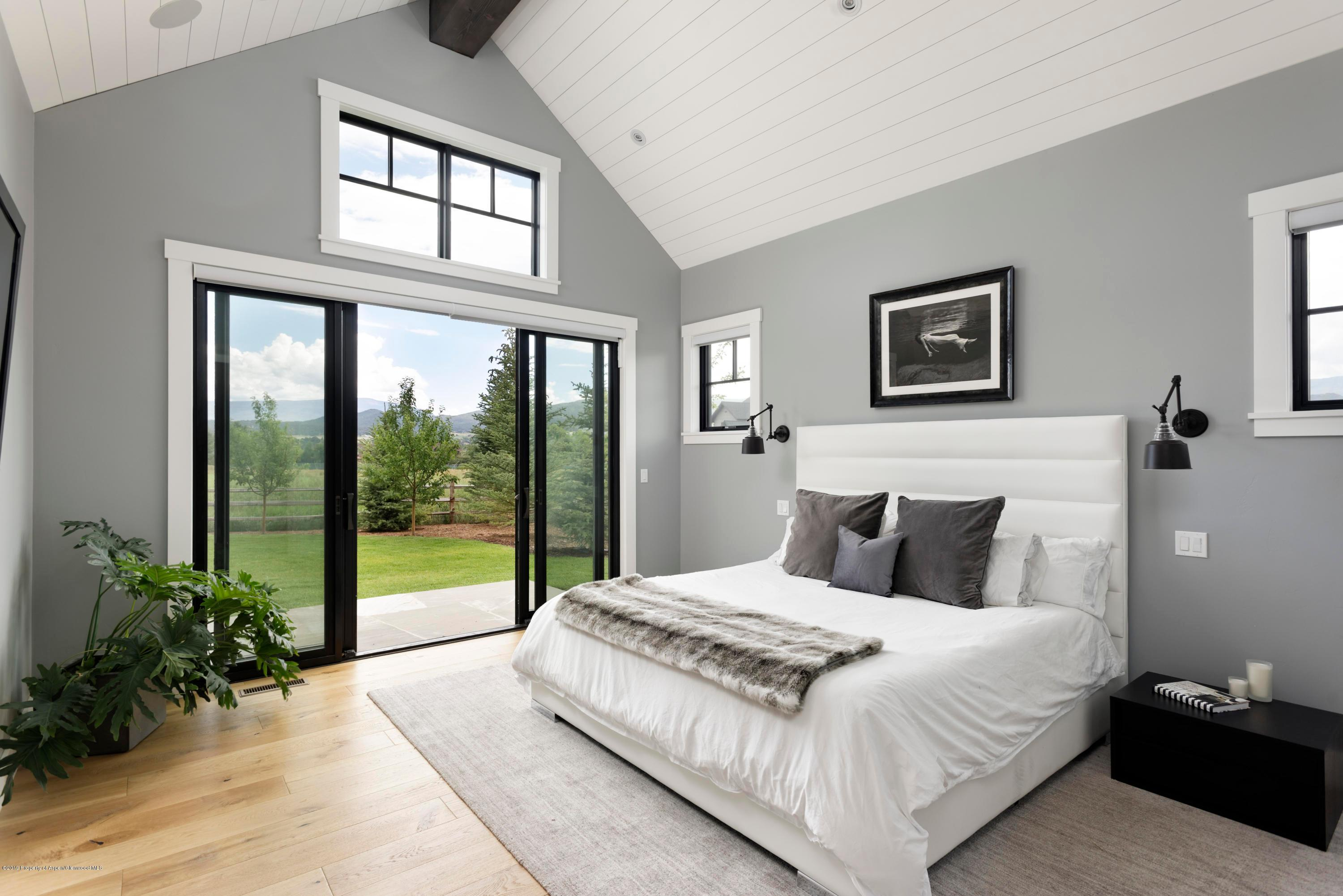 842 Perry Ridge preview