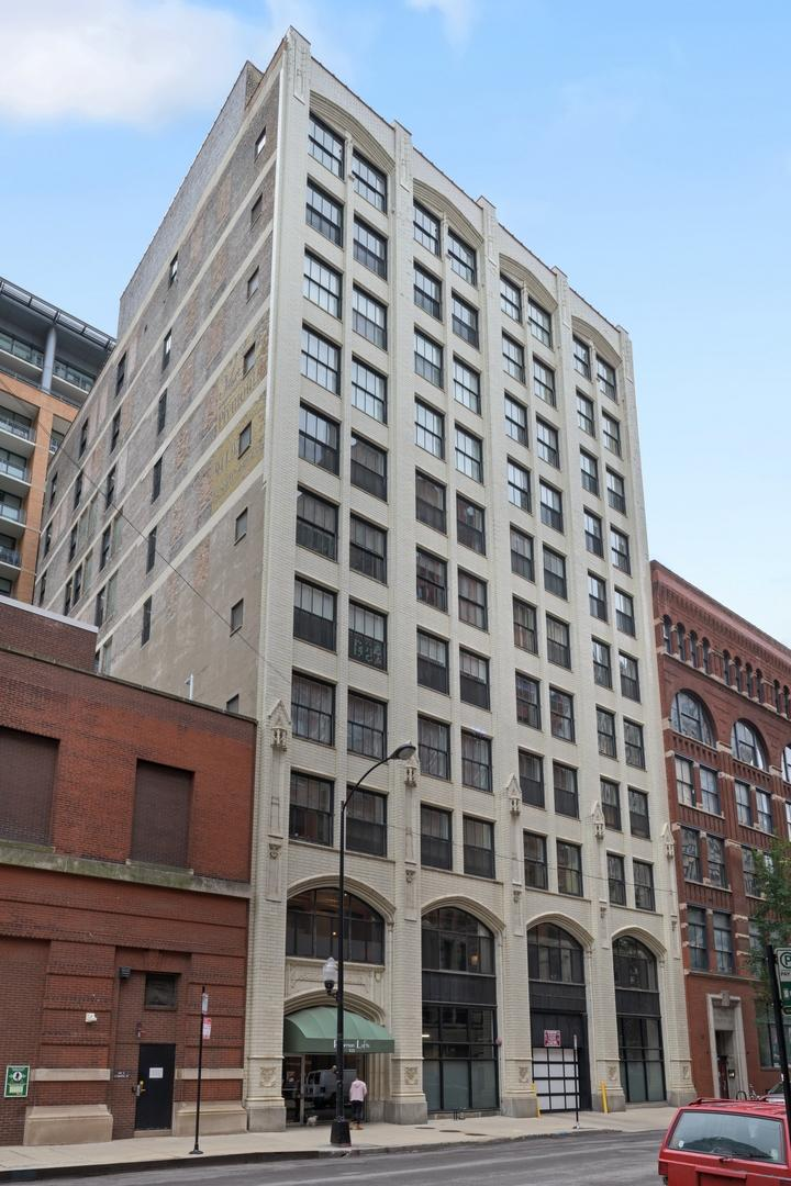 523 S Plymouth  Court, Unit 403 preview