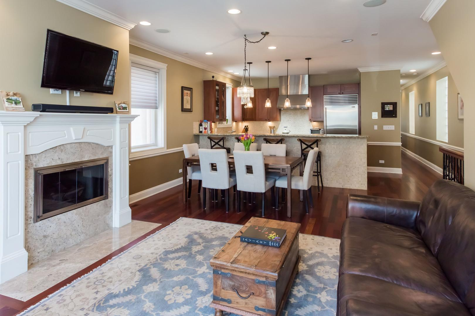 1915 W CRYSTAL  Street, Unit 1 preview
