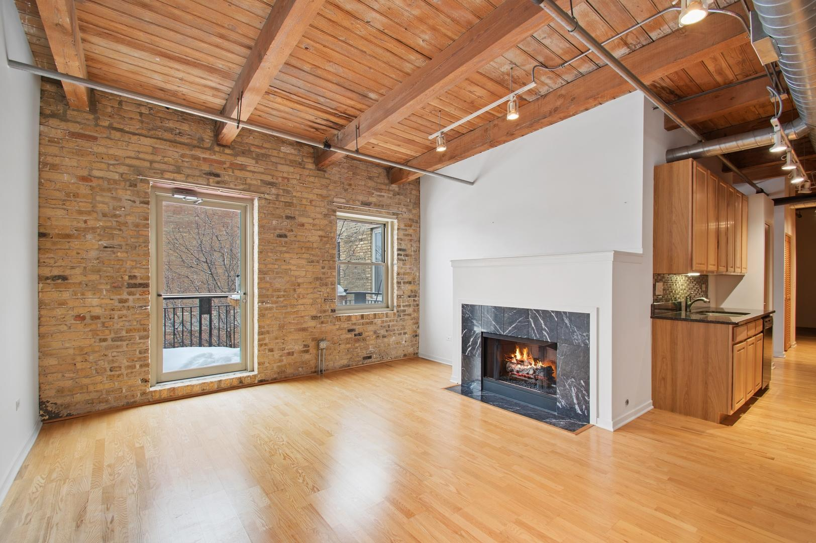 1740 N Maplewood  Avenue, Unit 417 preview