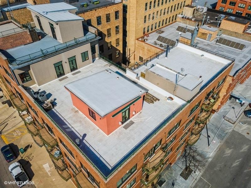 1152 W Fulton Market  Street, Unit 5C photo