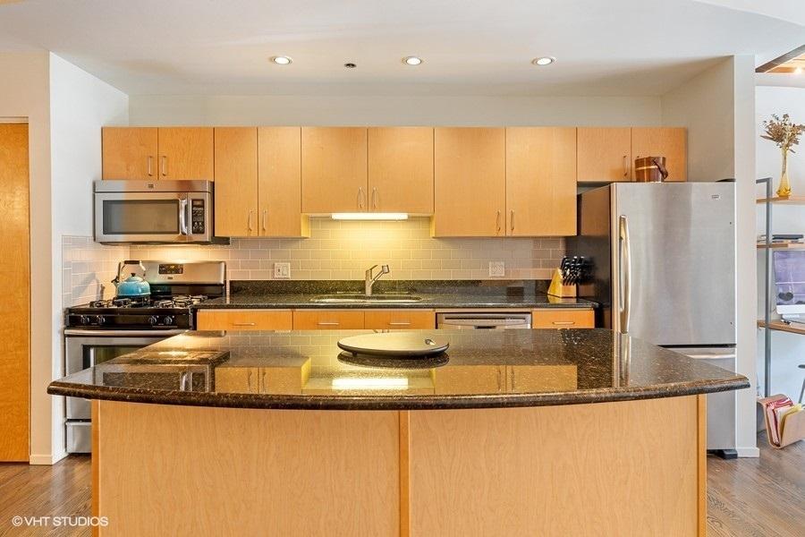 2300 W WABANSIA  Avenue, Unit 118 preview