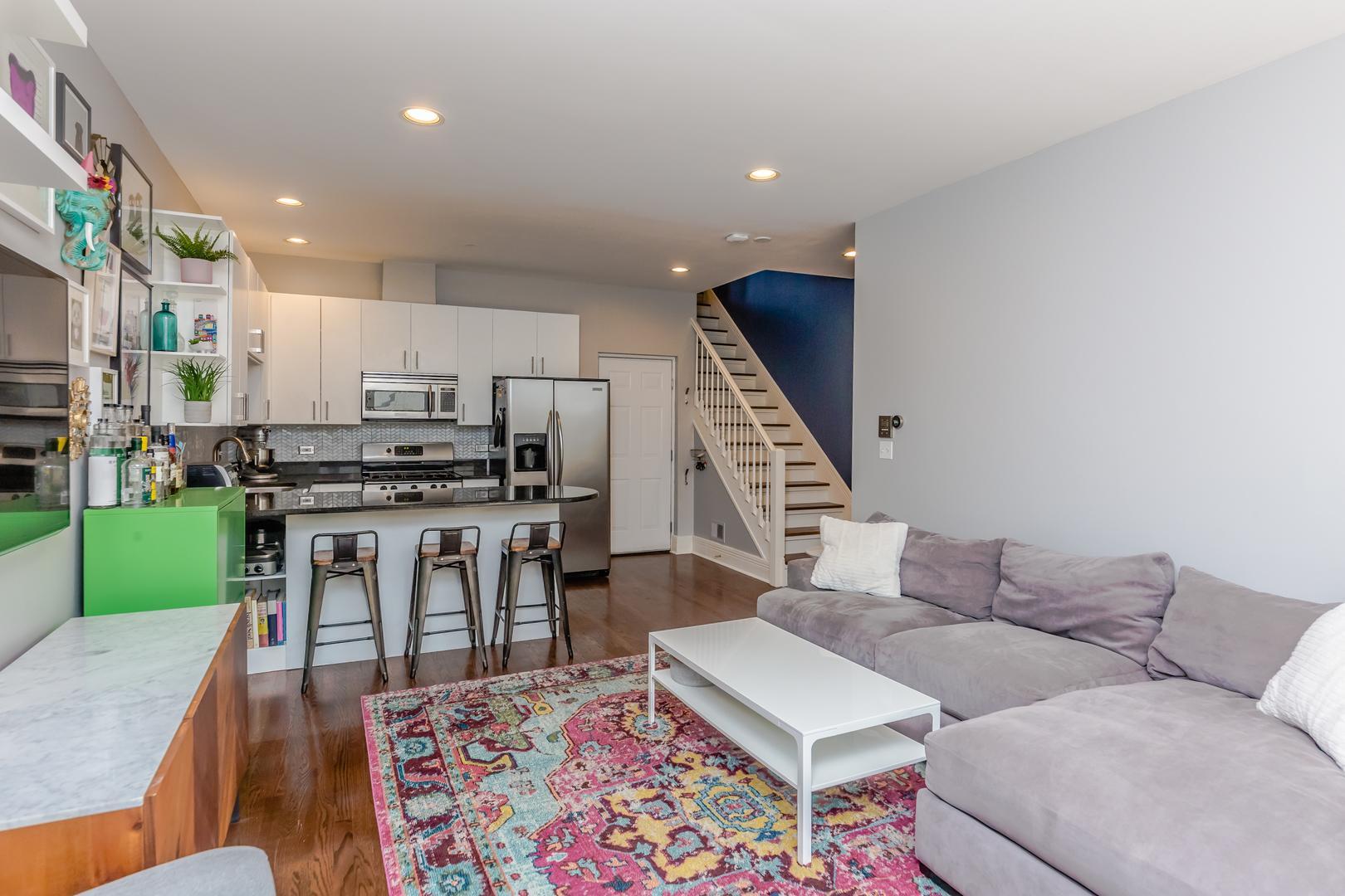 2520 W Bloomingdale  Avenue, Unit A photo