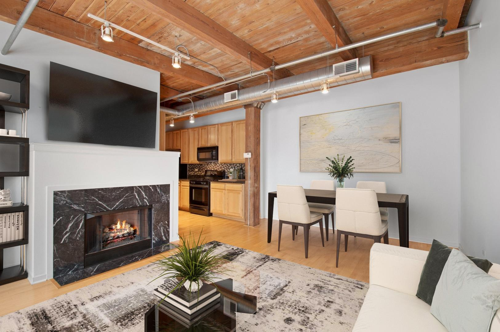 1740 N Maplewood  Avenue, Unit 417 photo