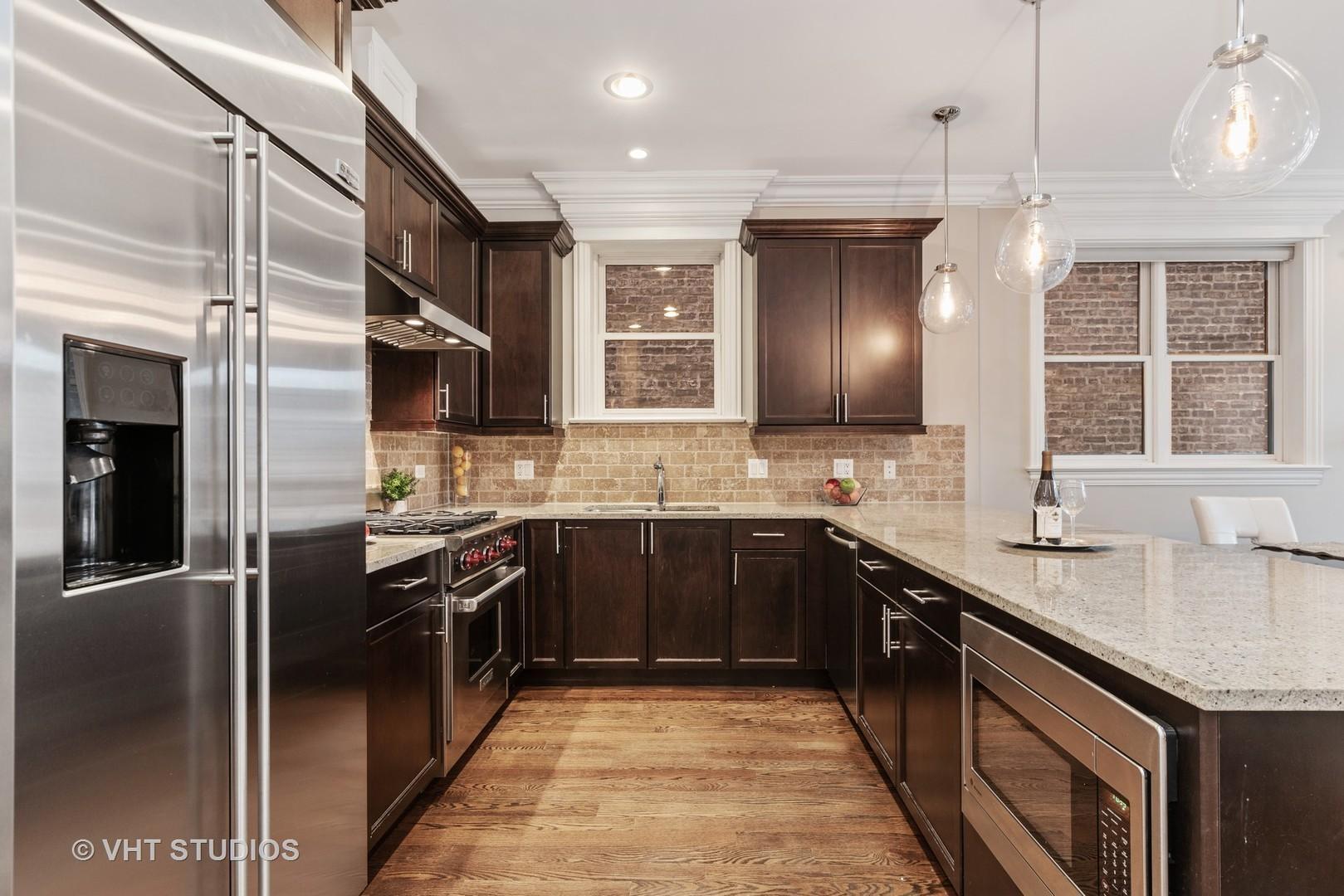 823 W Wolfram  Street, Unit 1W preview